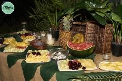 Mesa frutas boda casa rural