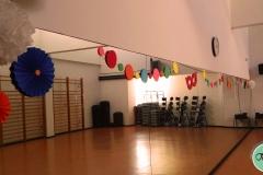 Decoración de carnaval en polideportivo, sala 1